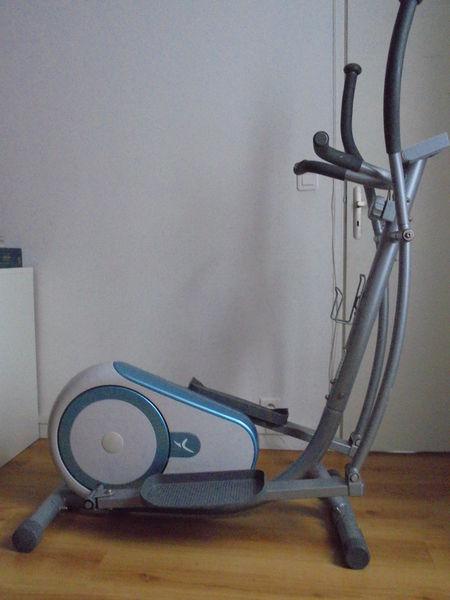 Vélo d'appartement  elliptique Domyos 70 Paris 19 (75)
