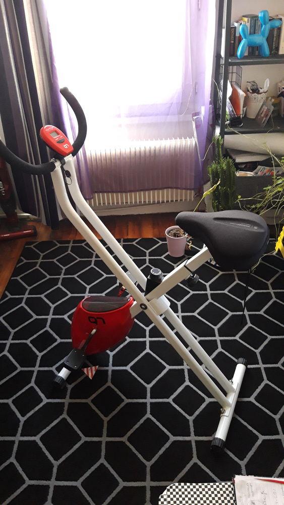 vélo d'appartement pliable  42 Paris 18 (75)
