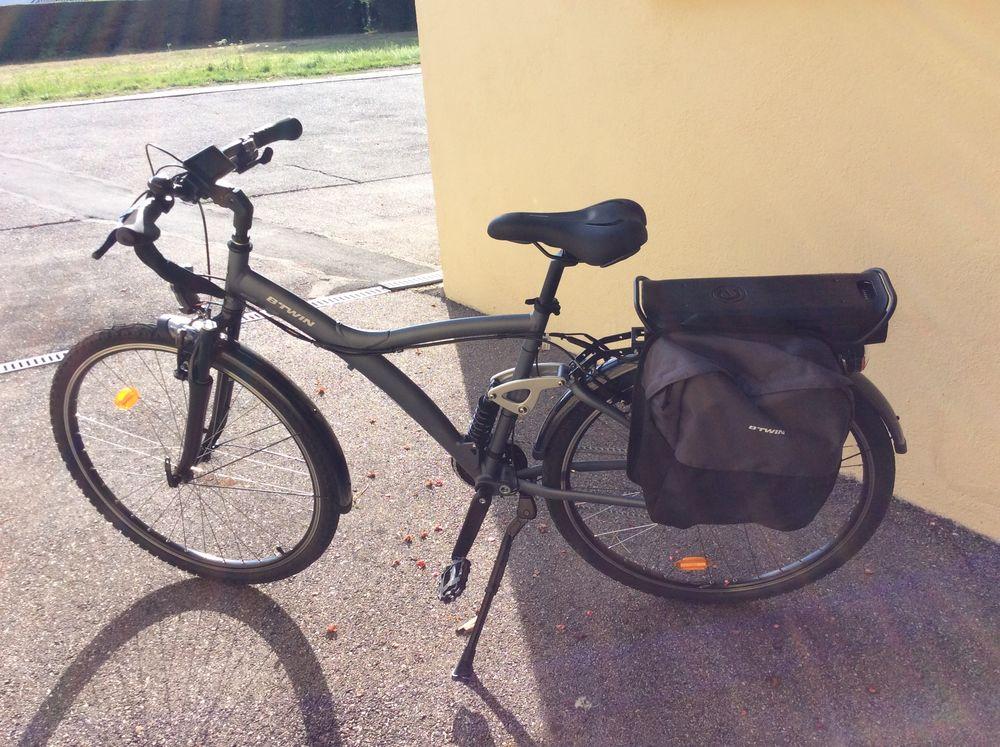 d'un vélo à assistance électrique neuf et équipement 700 Étival-Clairefontaine (88)