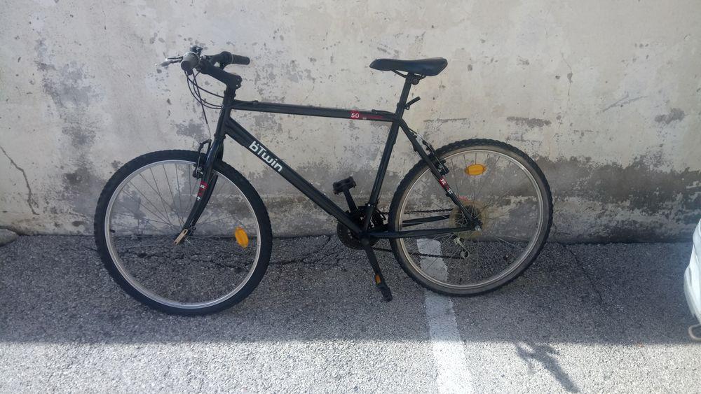 Vélo Btwin rockrider  0 Cagnes-sur-Mer (06)
