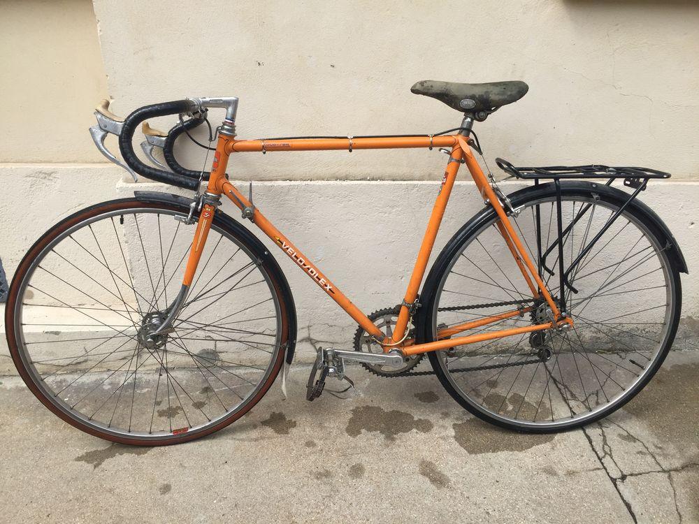vélo de course de collection VéloSolex 1972 orange 130 Paris 20 (75)
