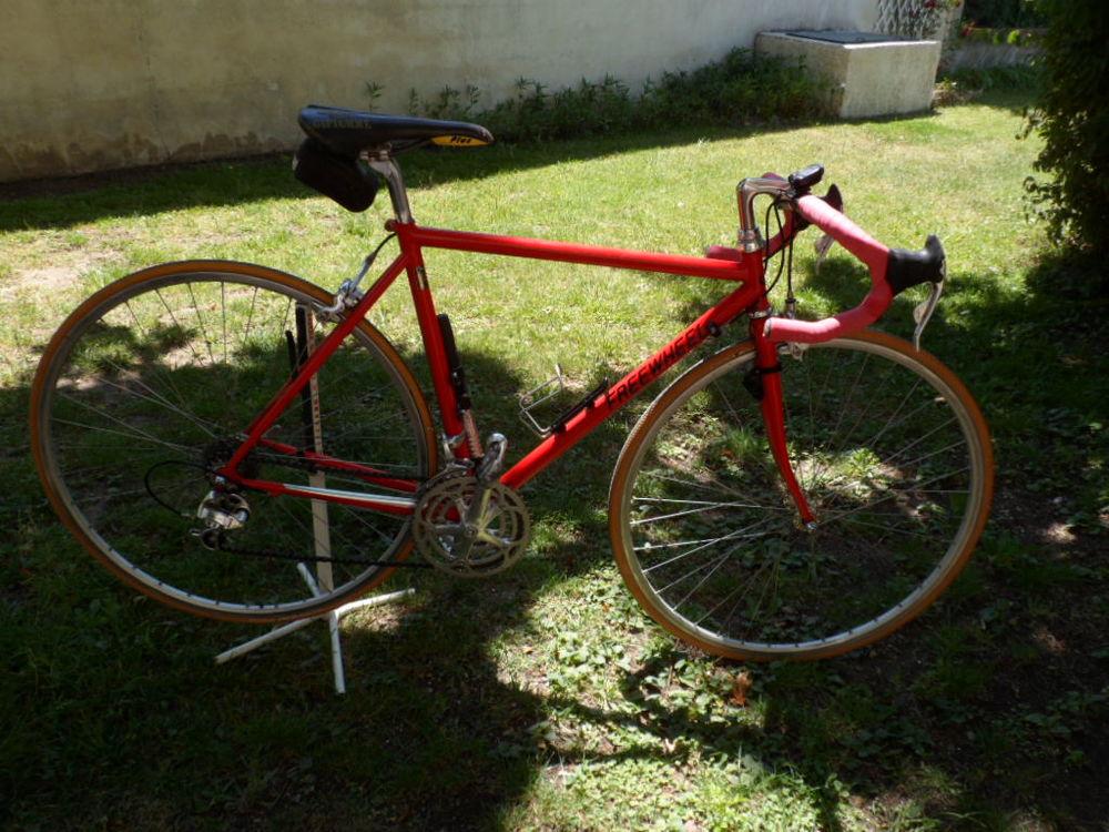 Vélo de course homme, cadre carbone + support, casque pompe 1000 Mallemort (13)
