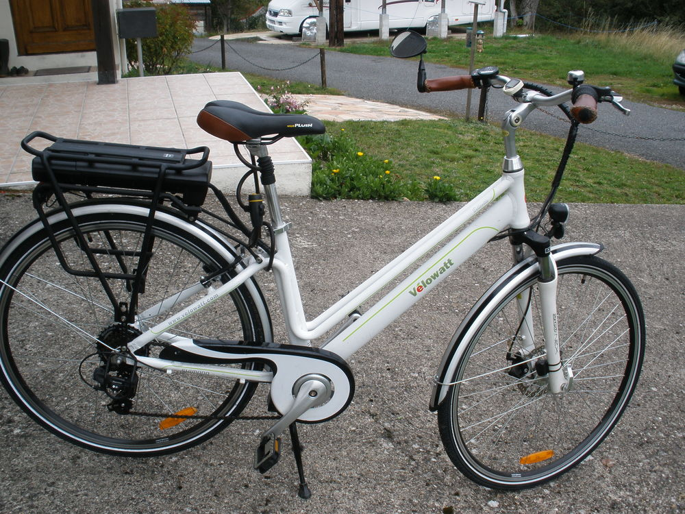 vélo élèctrique homme 700 Youx (63)