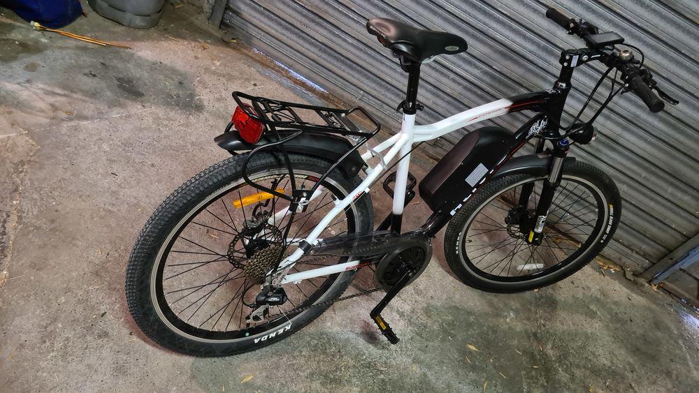 vélo électrique modèle  freedon  1250 Mérignac (33)