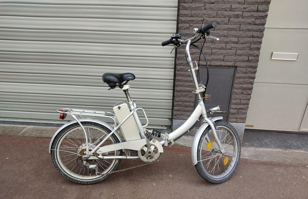 vélo électrique pliable 300 Paris 20 (75)