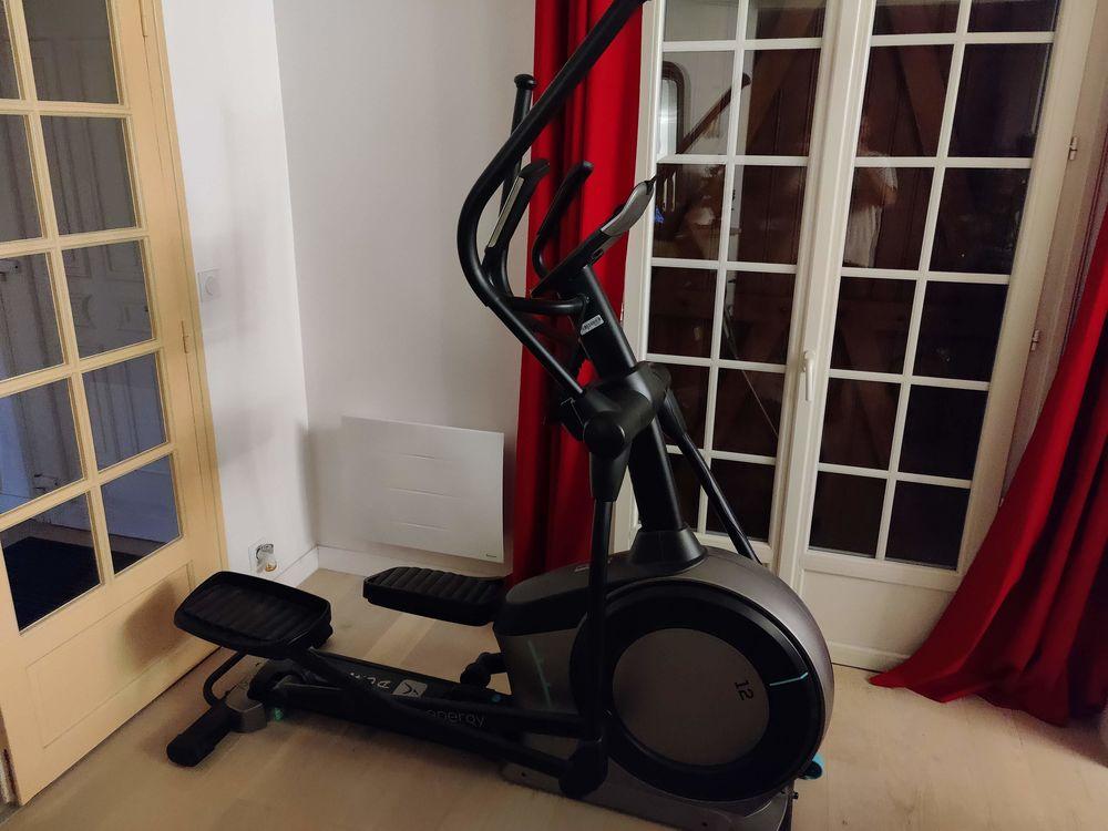 Vélo elliptique E-energy, roue d'inertie 12kg. 350 Bonchamp-lès-Laval (53)