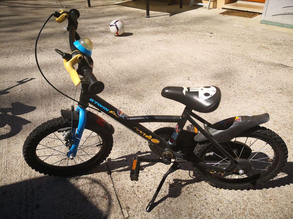 Vélo enfant 16 pouces Jeux / jouets
