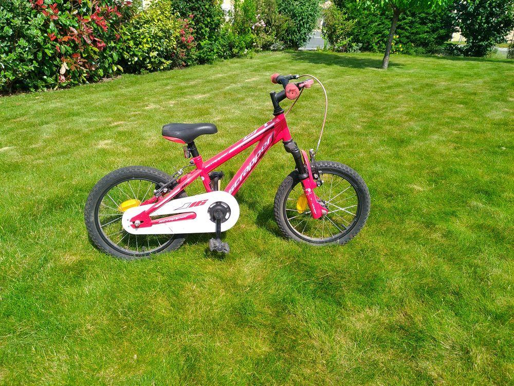 vélo enfant 4 à 6 ans 16 pouces 45 euros 45 Estillac (47)