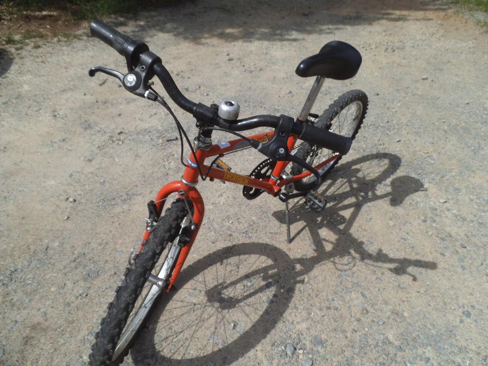 Vélo enfant 30 Le Bourgneuf-la-Forêt (53)