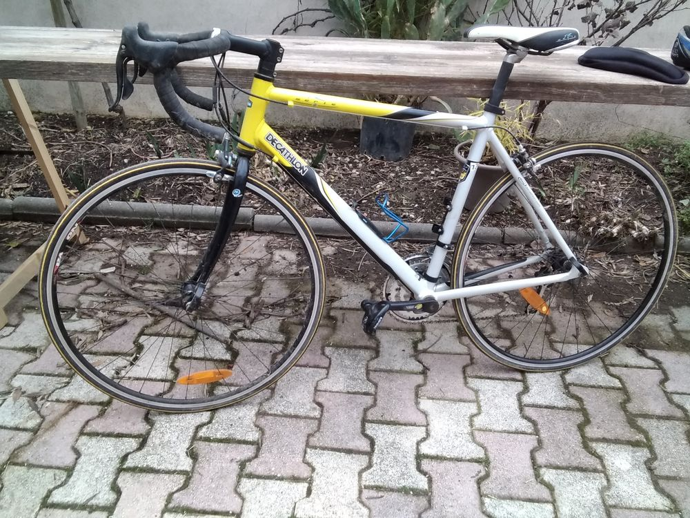 vélo de route décathlon série R  320 Arles (13)