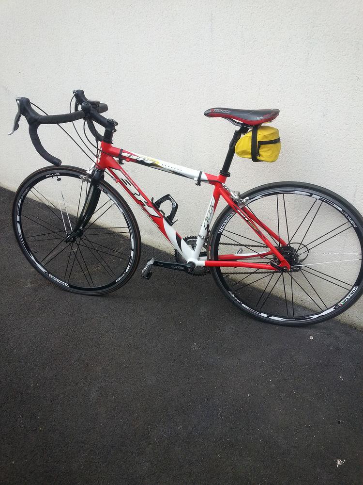 vélo route HB fuenlabrada comme neuf, Vélos