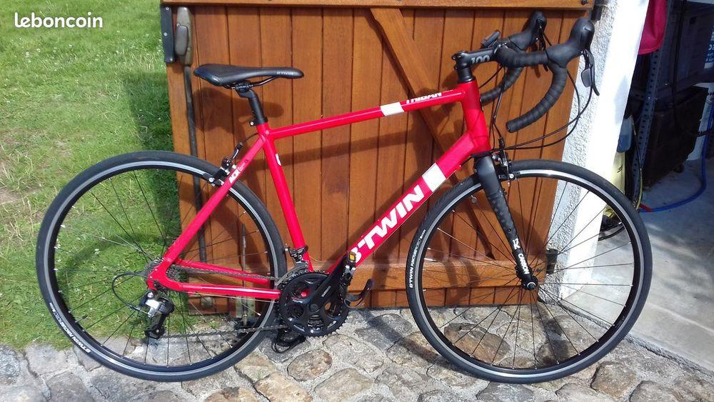 Vélo de route TRIBAN 500 420 Confolens (16)