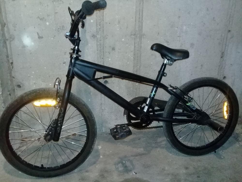 Vélo BMX en très bon état 95 Pierrelatte (26)