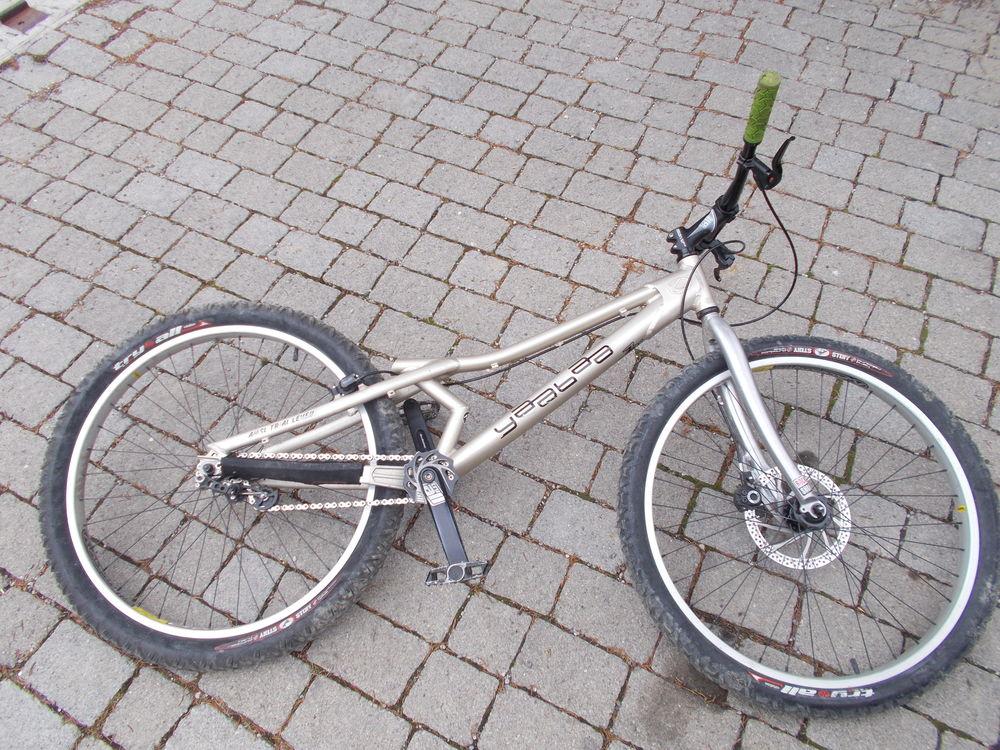 Vélo trial Yaabaa 999 26  400 Lagrand (05)