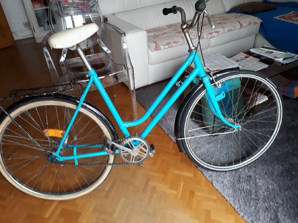 Vélo ville femme homme ado 24 pouces dos droit Vélos