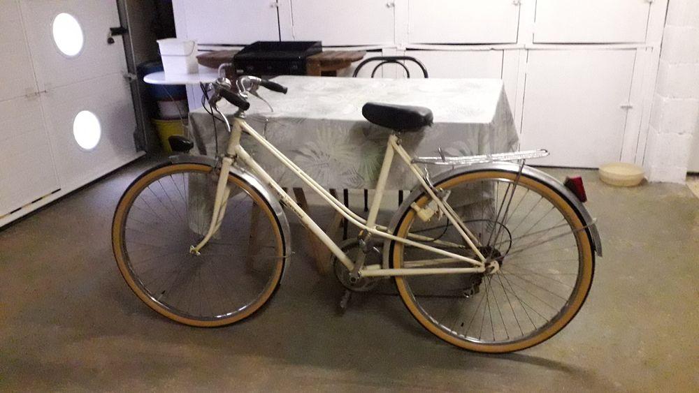 VELO DE VILLE FEMME Vélos