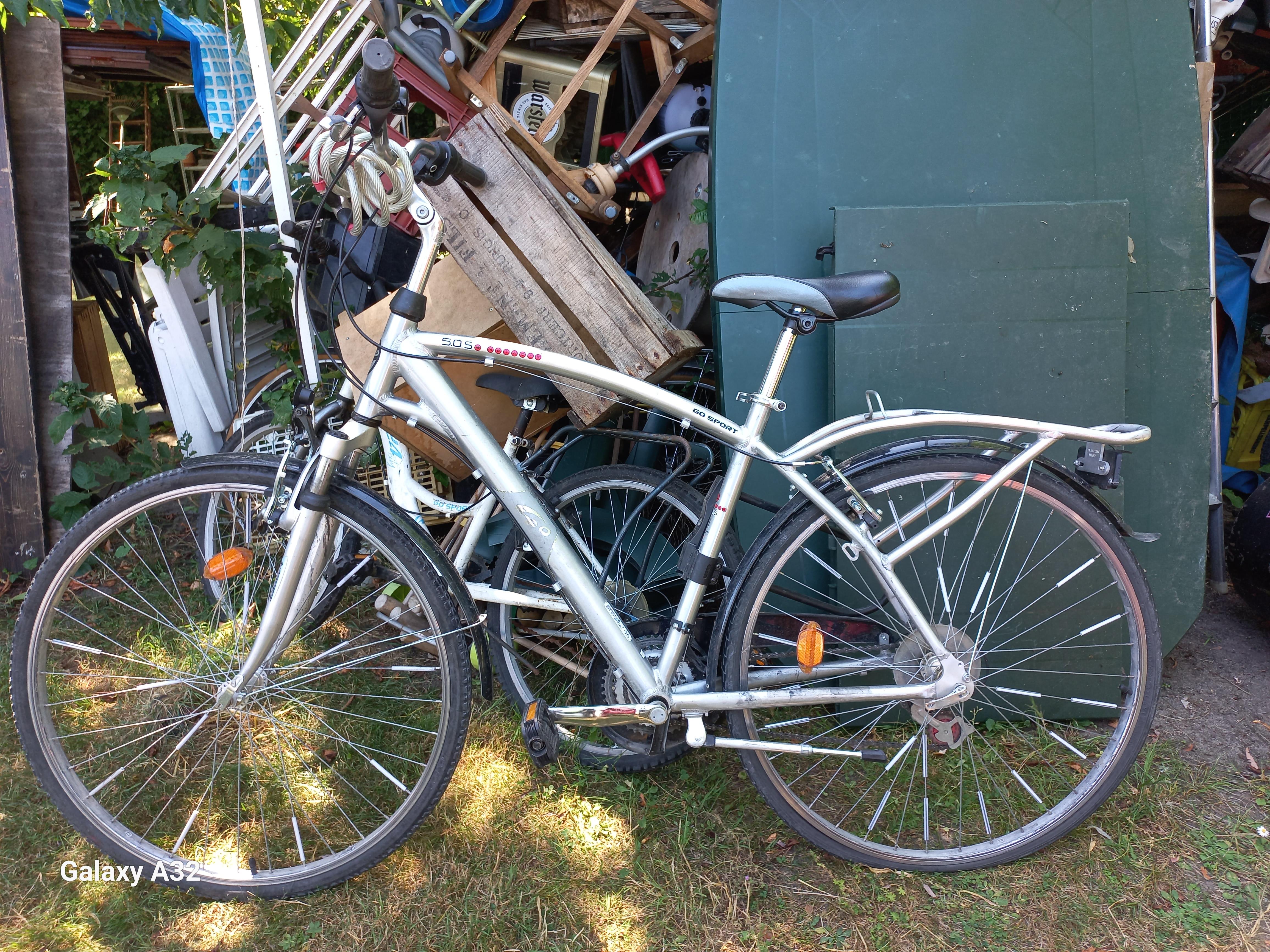 VELO VINTAGE-26 Pouces-VELO ANCIEN-Vélo 60 Euros-ENFANT 20 P 60 Montfermeil (93)
