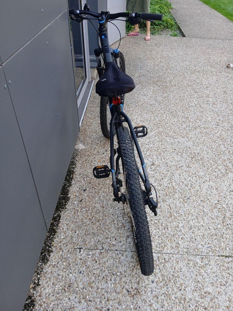 un vélo 1400 Lagny-sur-Marne (77)