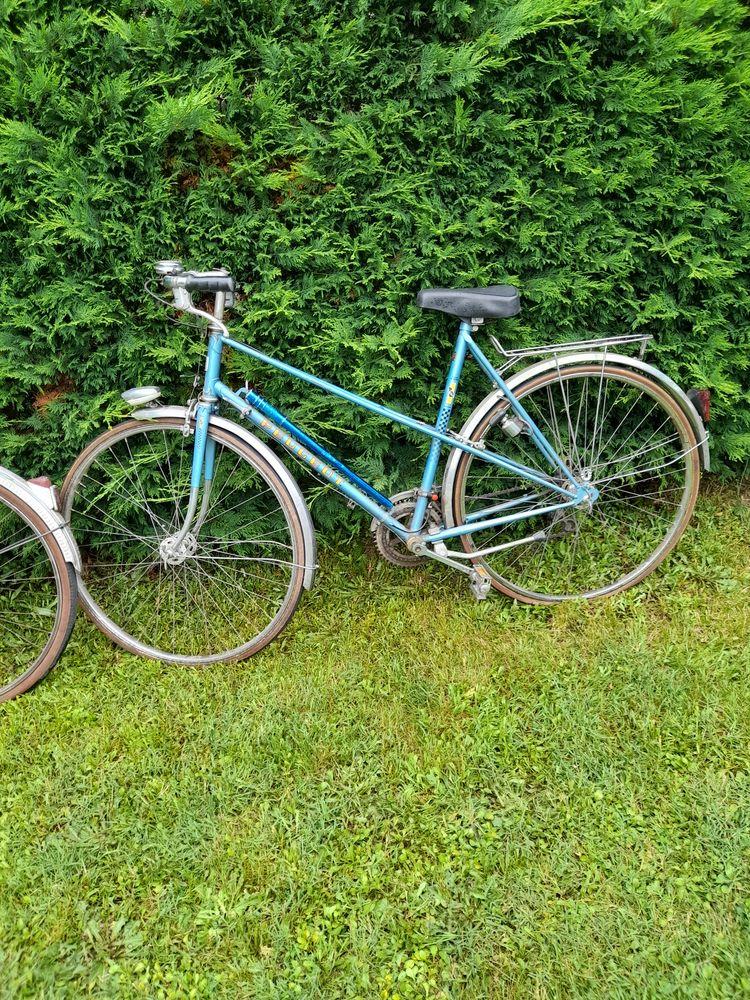 2 Vélos dont un vélo femme et un vélo homme  50 La Celle-sur-Loire (58)