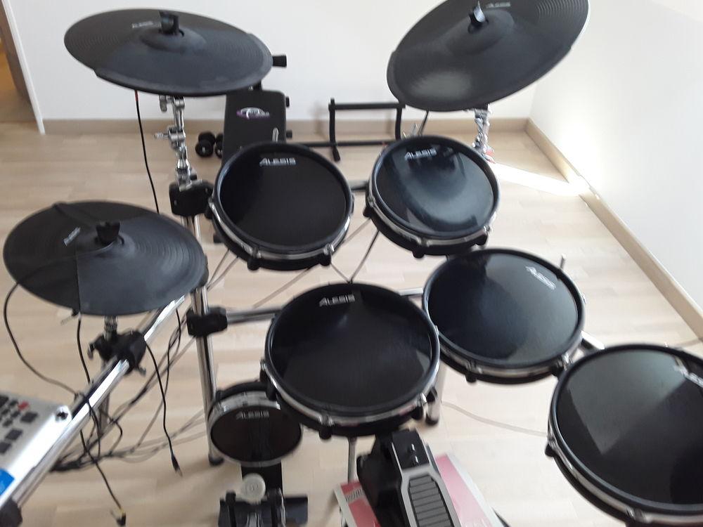 instruments de musique occasion annonces achat et vente. Black Bedroom Furniture Sets. Home Design Ideas