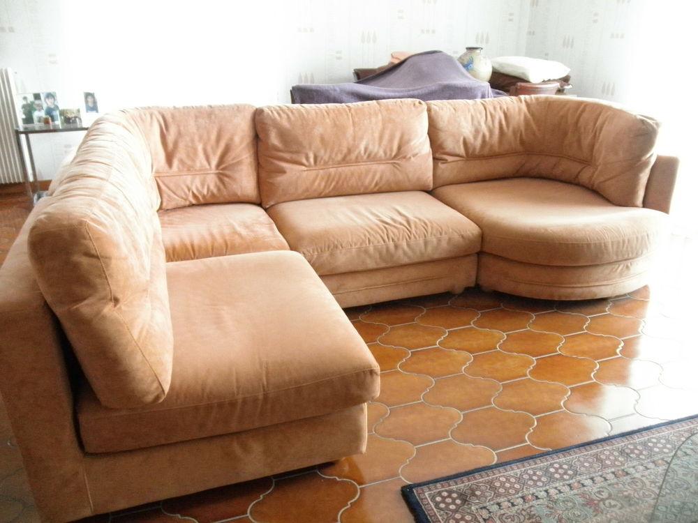 canap s d 39 angle occasion grenoble 38 annonces achat et vente de canap s d 39 angle paruvendu. Black Bedroom Furniture Sets. Home Design Ideas