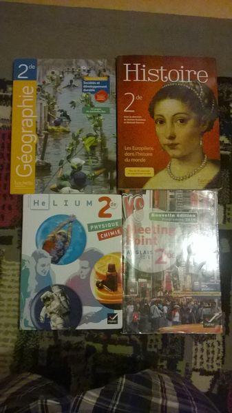 Vend 4 Livres scolaires de 2nd  120 Rouen (76)