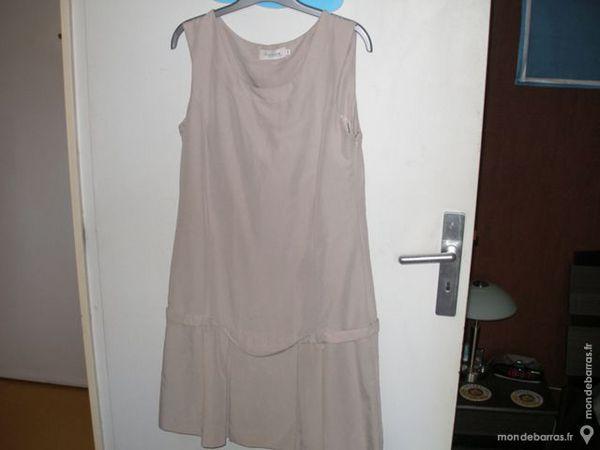 vend robe de marque en bon etat 20 Villiers-le-Bel (95)