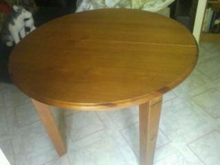 Vend table en pin massif 0 Sens (89)