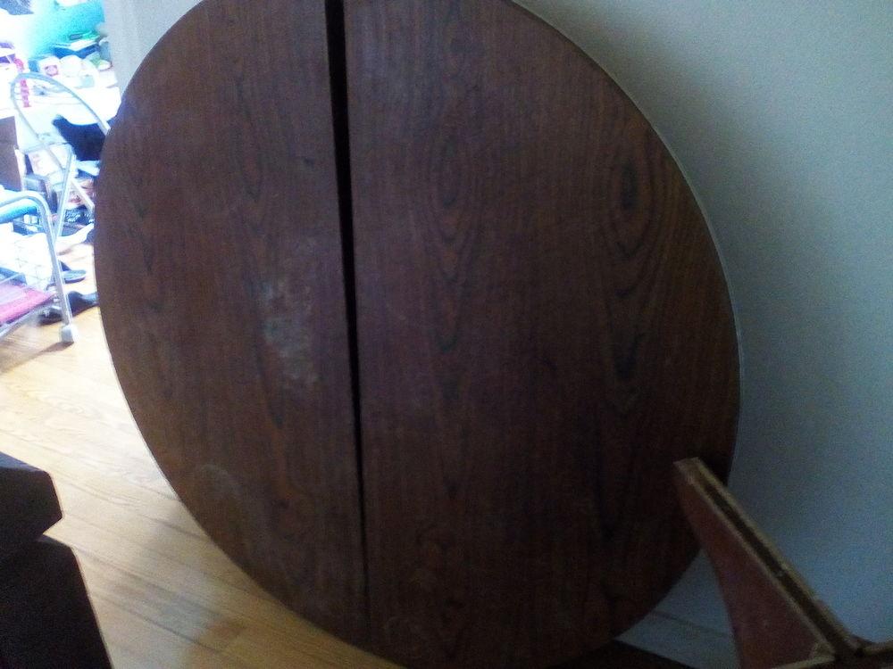 Vend table ronde  en bois très lourds 50 Sainte-Marie-de-Gosse (40)