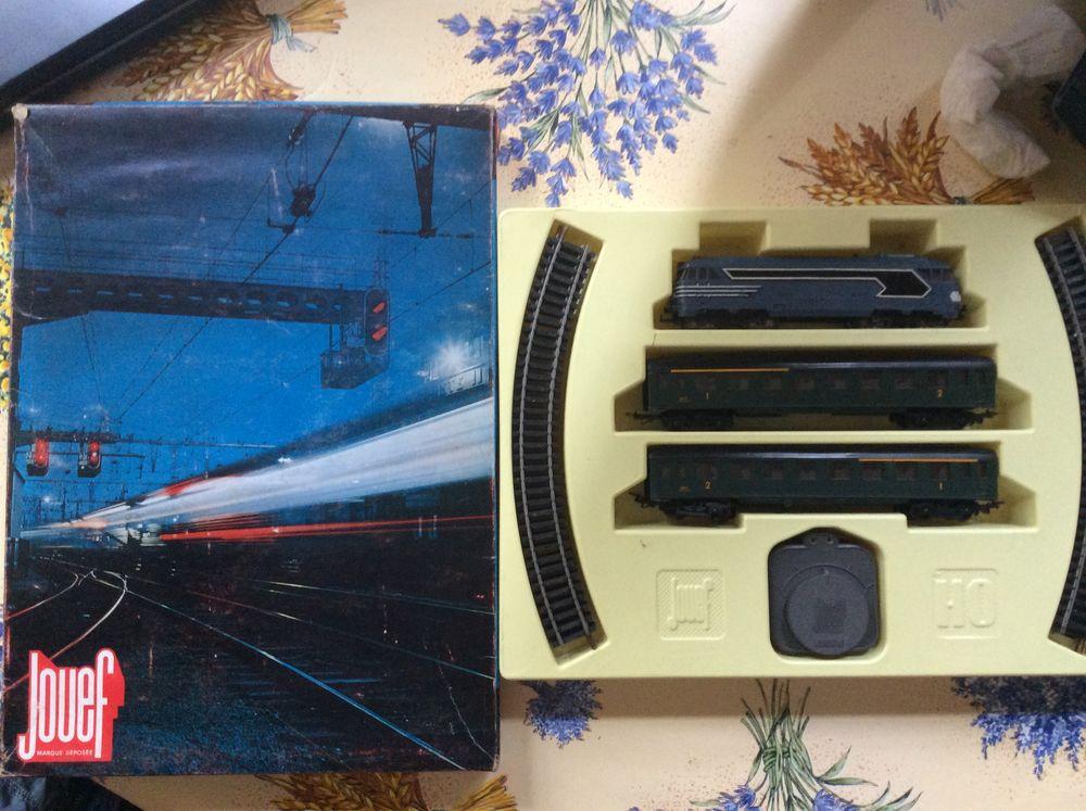 À vendre coffret train électrique Jouef HO et accessoires. 0 Auch (32)
