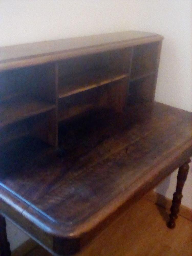 A vendre meuble anciens   100 Saint-Génard (79)