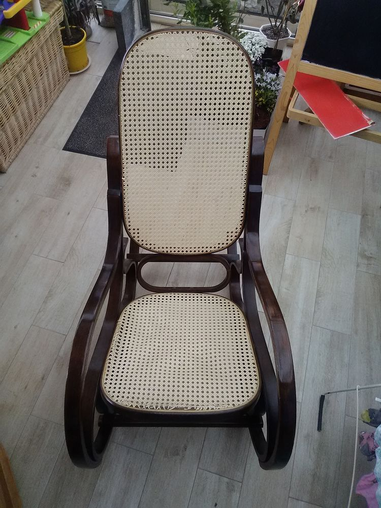 rocking chair occasion annonces achat et vente de rocking chair paruvendu mondebarras page 5. Black Bedroom Furniture Sets. Home Design Ideas