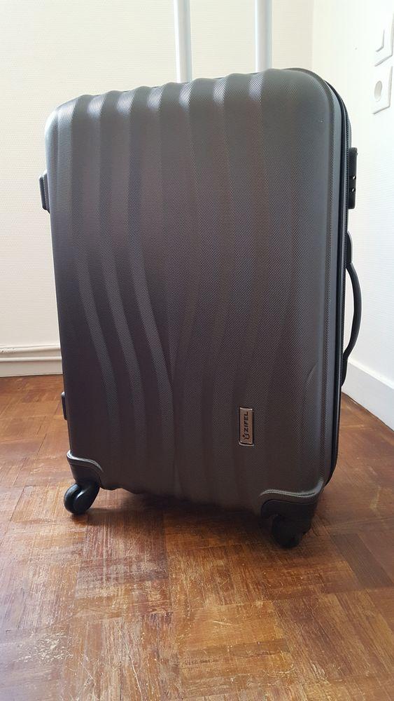 A vendre valise  25 Niort (79)
