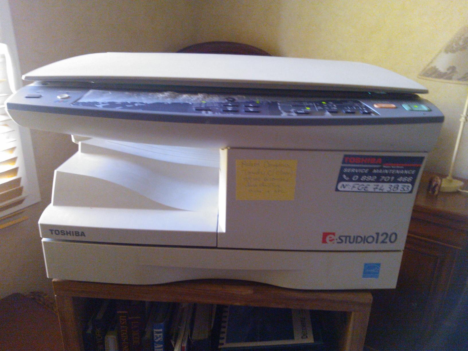 vends p hotocopieuse-scan 200 Saint-Sauveur (33)