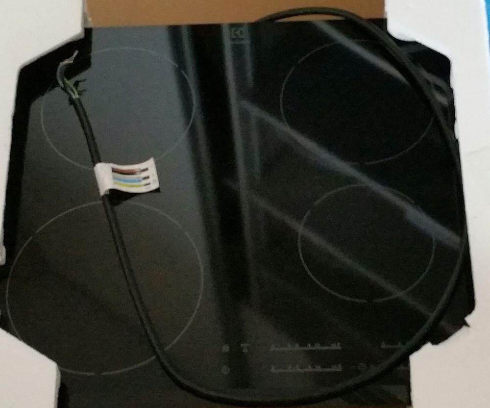 Vends plaque induction neuve  300 La Motte-Servolex (73)