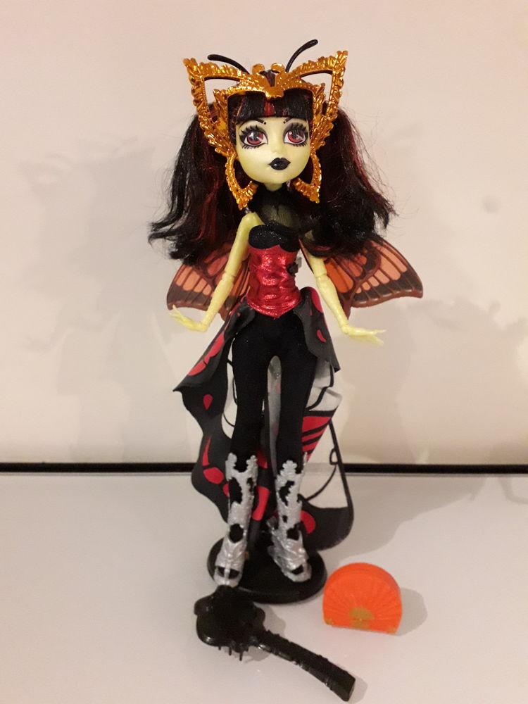 Vends poupée Monster High Luna Mothews Boo York  10 Grosbreuil (85)