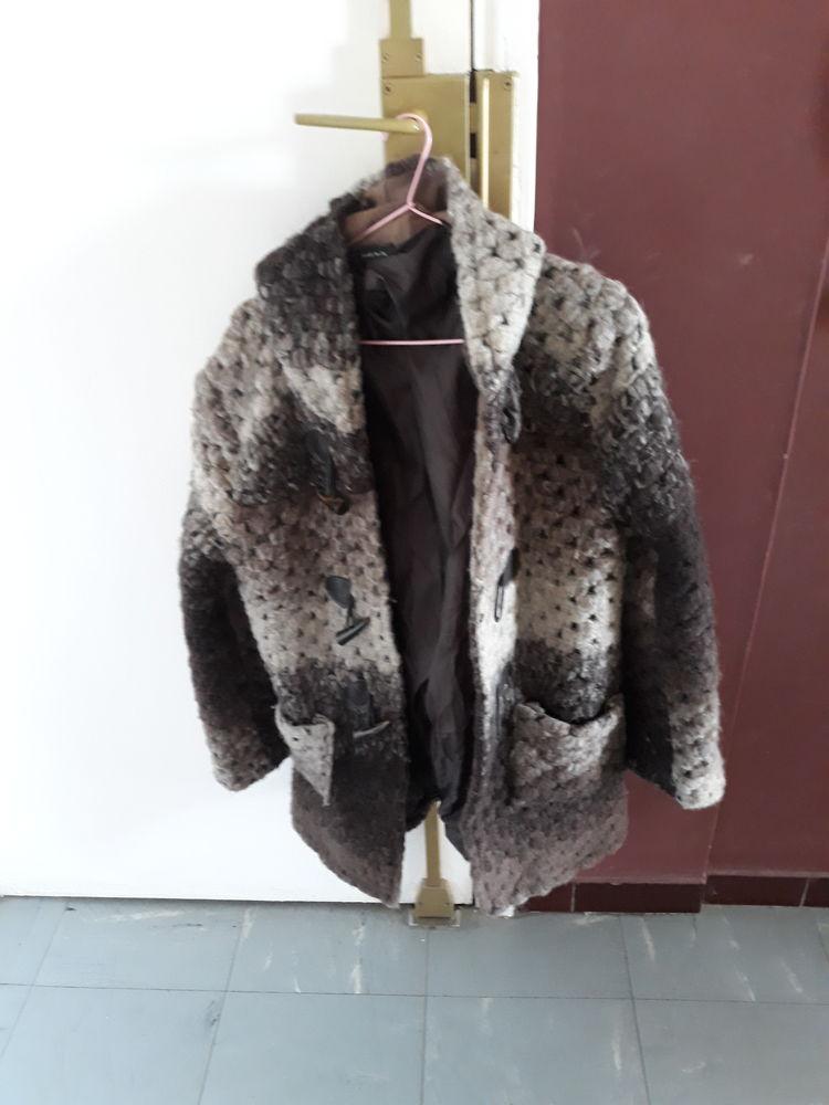 vente bouclee chaude avec capuche 30 La Ciotat (13)