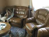 Vente canapé 3 places plus 2 fauteuils cuir  740 Reims (51)