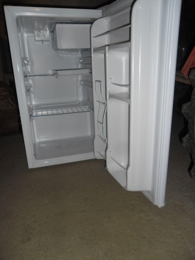 frigos occasion en haute vienne 87 annonces achat et vente de frigos paruvendu mondebarras. Black Bedroom Furniture Sets. Home Design Ideas
