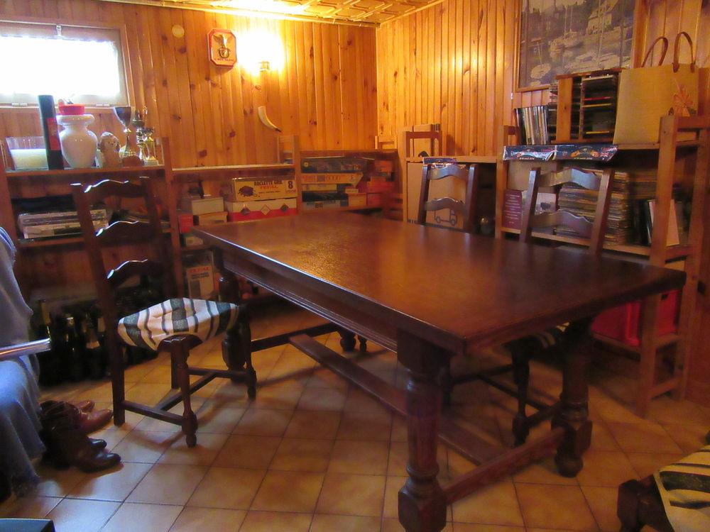 vente  lot table salle à manger et les quatre chaises. 250 Montry (77)