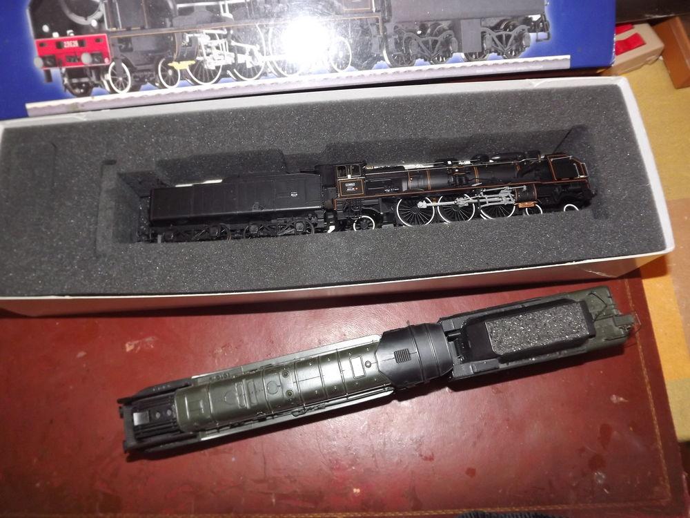 Vente d'un lot de trois locomotives miniatures échelle HO 0 Carnoules (83)