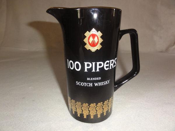 Véritable pichet SCOTCH WHISKY 100 PIPERS d'origine 32 Nanterre (92)