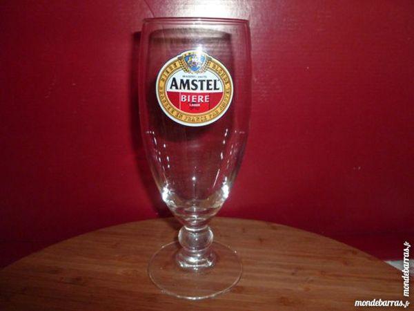 T33: 6 verres à bière AMSTEL/pied 25 cl 7 Vauréal (95)