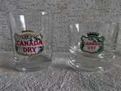 verres de CANADA DRY   2 models 15 Lyon 8 (69)