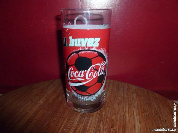 T33: 6 verres COCA COLA, logo ballon de football Cuisine