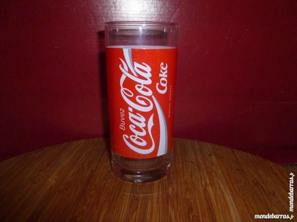 T33: 6 verres à COCA COLA droits, rouges/blancs 7 Vauréal (95)
