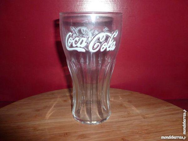 T33: 6 verres à COCA COLA logo blanc 37 cl 8 Vauréal (95)