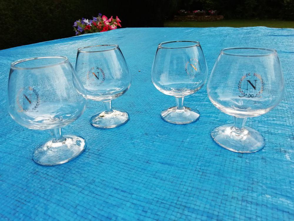 lot de 4 verres à cognac Napoléon 25 Lésigny (77)