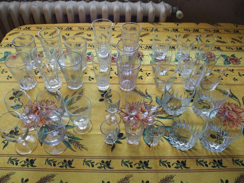 Lot de 36 verres différents modèles 10 Agen (47)
