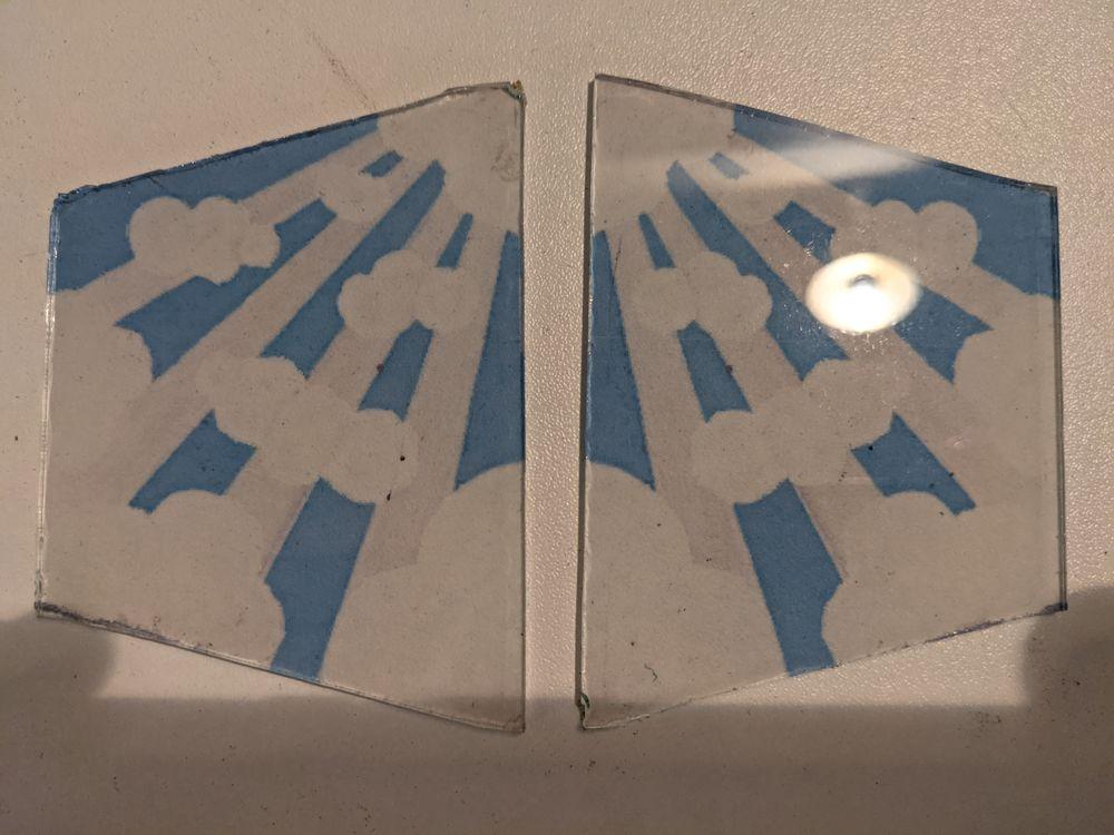 2 VERRES DE LAMPE PIROUETT récupérés sur une vieille lampe.  15 Marseille 13 (13)